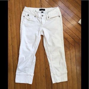 Banana Republic womens white Capri pants. Size 0